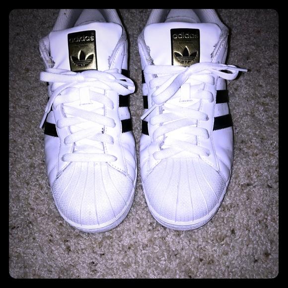 Le adidas superstar white shell piedi scarpe poshmark